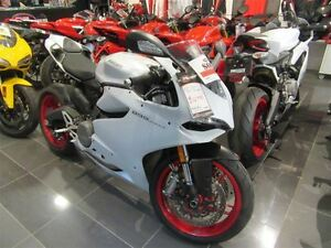 2015 Ducati 899 -