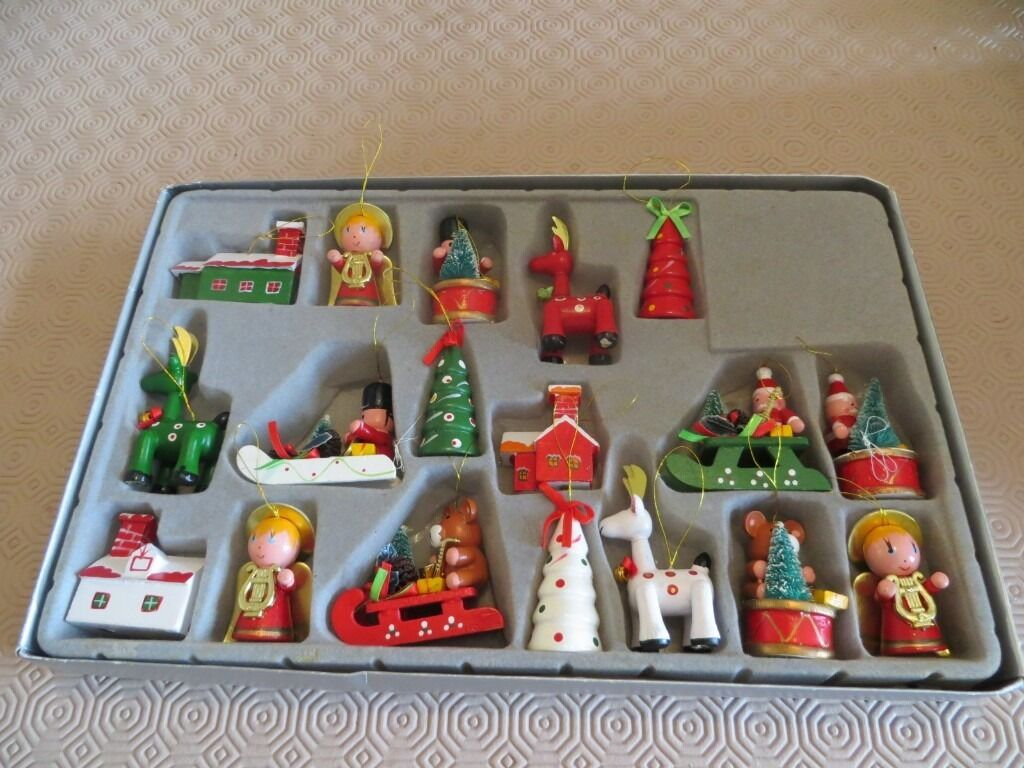 18 traditional wooden christmas tree decorations santas workshop