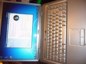 dell dual core 2.0 2gb ram 80gb hardrive wifi webcam hdmi dvd-writer windows 7