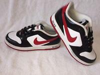 Nike trainers size 4.5 Uk