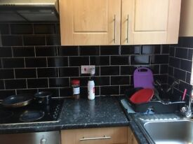ZERO DEPOSIT 2 BED HOUSE TO LET IN WOODHOUSE CLOSE TO CITY CENTRE LS6 £525pcm**