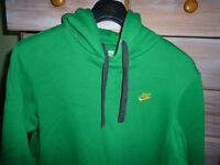 2 BRIGHT NIKE HOODIES SIZE L, IN FAB CONDITION, + 1 NIKE ZIPPY HOODIE SIZE L (ALL 3 FOR £16)