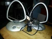 Two Mains Adapted Television Airials
