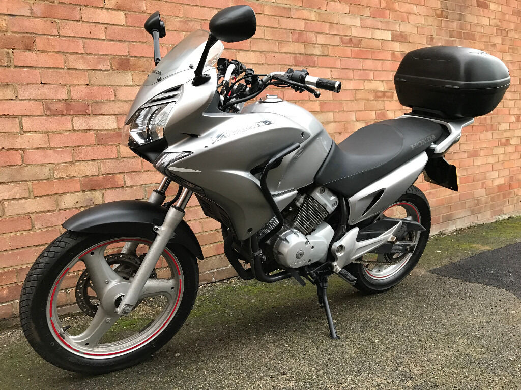 honda xl 125 v 9 varadero 2009 silver in wood green london gumtree. Black Bedroom Furniture Sets. Home Design Ideas