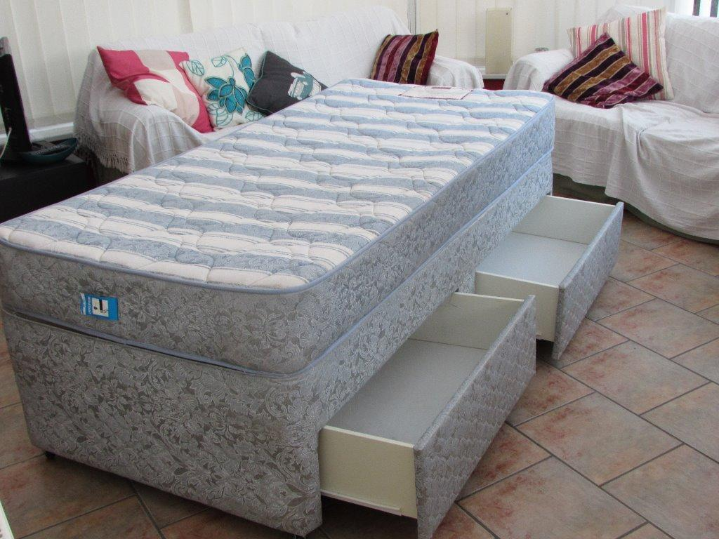 Single Divan Bed With Two Drawers Mattress Included In Porthcawl Bridgend Gumtree