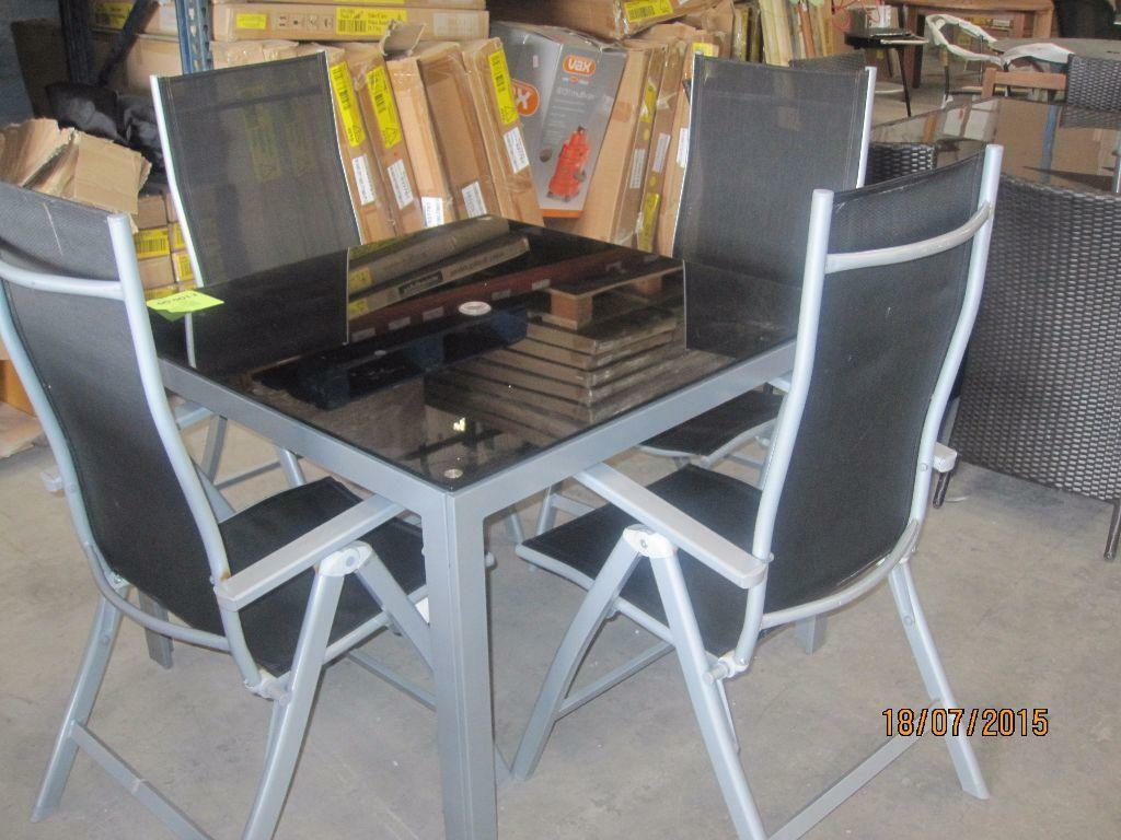 Table and 4 chairs in blaydon on tyne tyne and wear gumtree