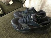 57d22440ce65 6.5 Nike air huarache as brilliant condition