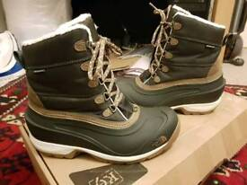 The north face womens chilkat snow boots