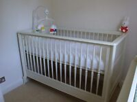 Beautiful Mamas and Papas top of the range Celine Cot Bed