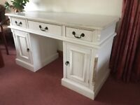 White Wooden Desk, Great Condition (used)