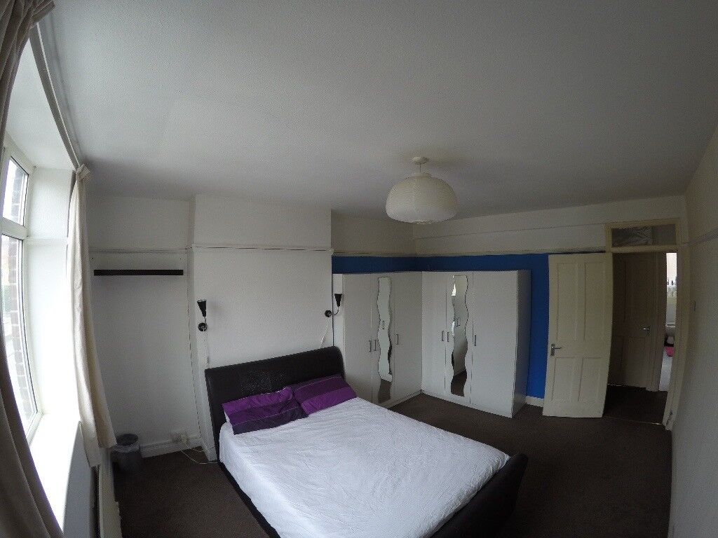 LARGE DOUBLE ROOM IN HACKNEY/BETHNAL GREEN