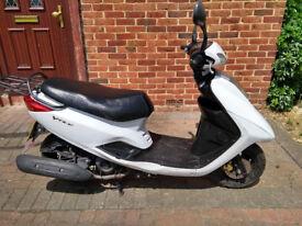 2013 Yamaha VITY 125 automatic scooter, new 12 months MOT, runs very well, genuine mileage, bargain,