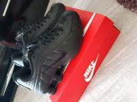 Womens Nike Shox size 3.5