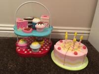 Wooden cakes and cake stand 🎂