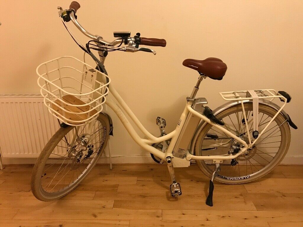 Electric bicycle for ladies   in Duddingston, Edinburgh