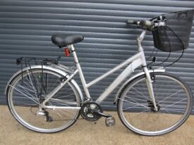 LADIES DAWES ALUMINIUM LIGHTWEIGHT TOWN / TOURING BIKE IN VERY GOOD USED CONDITION..