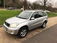 TOYOTA RAV 4 XT5 2005 SAT NAV FULL LEATHER. FULL HISTORY. DRIVES PERFECT.