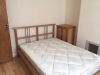 A Bright Shinny Double room available in Southsea