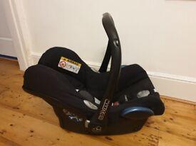 Maxi-Cosi CabrioFix Group 0+ Baby Car Seat, Essential Black and Easyfix Car Seat Base