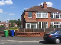 HEYSCROFT ROAD - 5 DOUBLE BEDS. ACADEMIC YEAR 2017/2018. STUDENTS OR PROFESSIONALS ONLY.