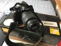 Nikon D3000 DSLR Full VR Kit *MINT*