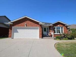 $529,900 - Bungalow for sale in Stoney Creek