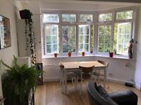 Double room in beautiful West Hampstead flat