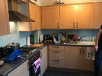 Twin room/double room in Upney station. Close to the Upney station.