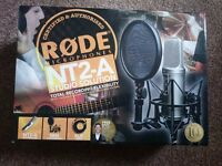 RODE NT2A MICROPHONE STUDIO PACK + Focusrite Scarlett 2i2 + Tiger Microphone Stand