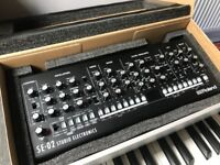 Roland SE-02 analogue synthesiser