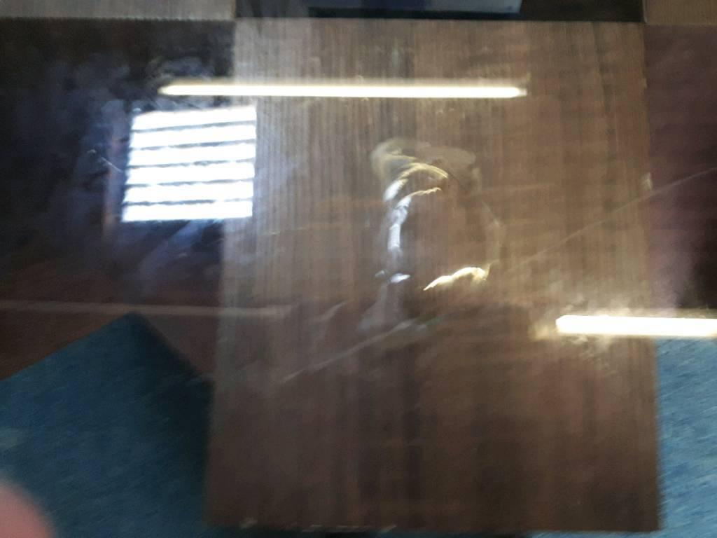 New piston dining table