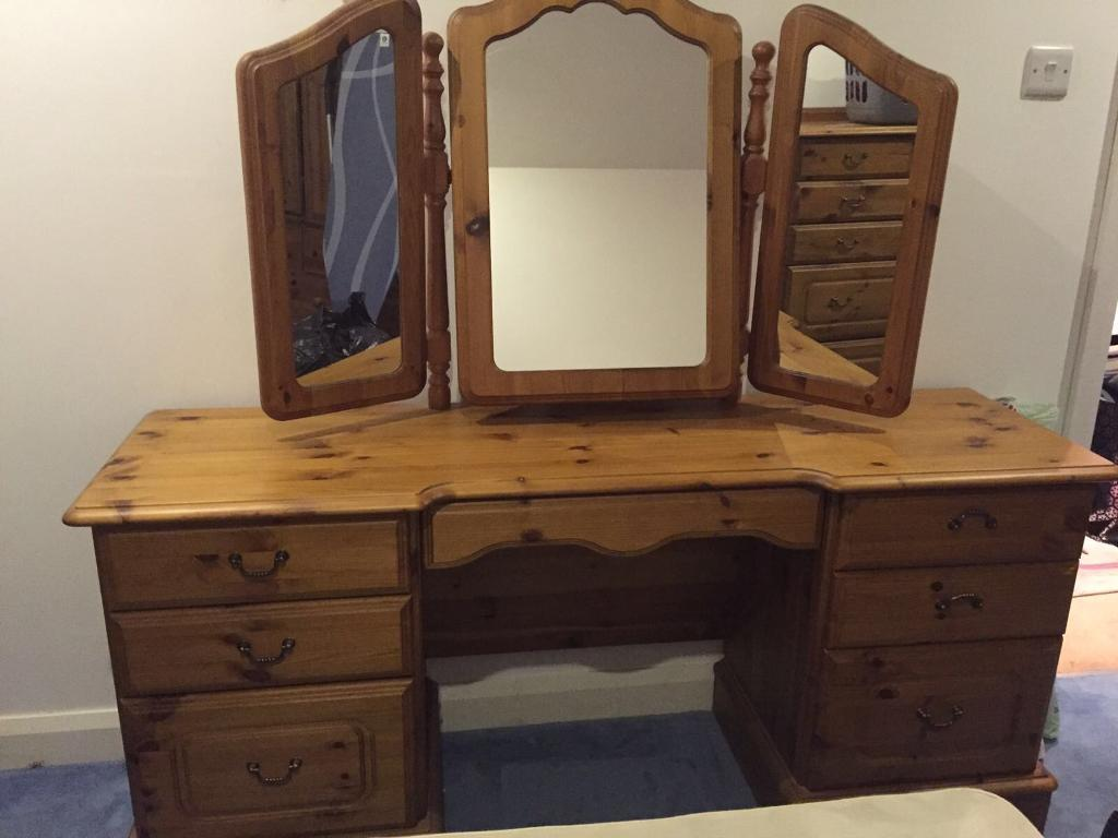 Pine Bedroom Solid Antique Pine Bedroom Furniture 6 Individual Pieces All Sep