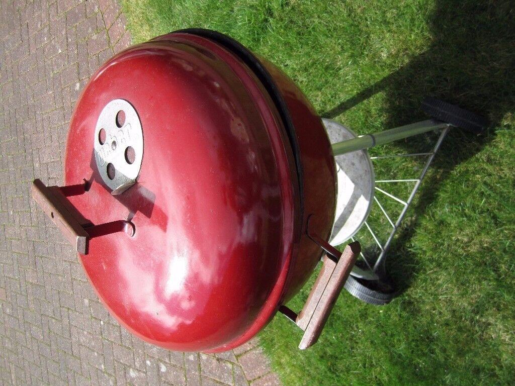 Weber® Original Kettle™ 57cm Crimson Charcoal BBQ - Weber® Original Kettle™