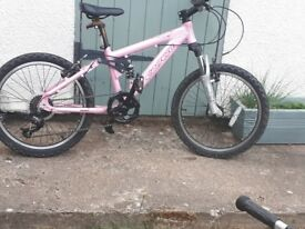 Girls Bike pink Carrera. Good condition