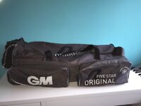 GM ORIGINAL CRICKET KIT BAG WITH WHEELS.