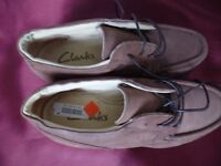 MEN's CASUAL SHOES SIZE 9 CLARKS AS NEW