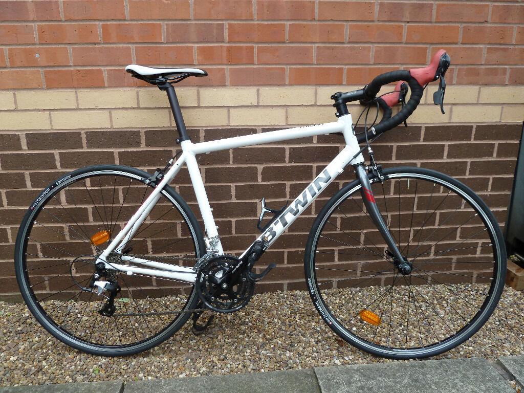 B 39 twin triban 300 road bike 57cm frame in beeston for Triban 300