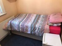 -DOUBLE ROOM FOR SINGLE USE AVAILABLE NOW IN CRICKLEWOOD AREA-