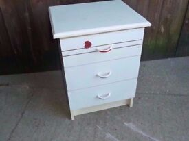 Set of White Bedroom Drawers Delivery Available £5
