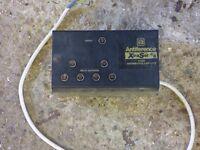 TV/FM distribution amplifier