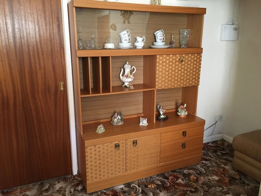 Display Cabinet Unit Storage With Lights Wood - VGC
