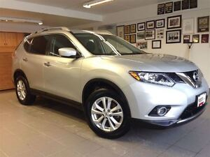 2015 Nissan Rogue SV 1 OWNER LOCAL TRADE!!!