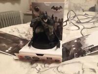 Batman Arkham city figurine and game