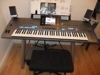 Yamaha Tyros 5 76 Keys + MS05 Speakers in Immaculate condition
