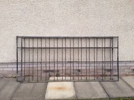 Miscellaneous sections of steel Fencing (Plain & Scrolled items)
