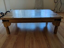 Coffee table - lovely table good solid wood