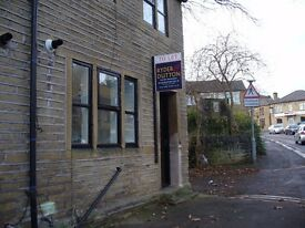 2 Bed Cottage Type Property to let Lockwood