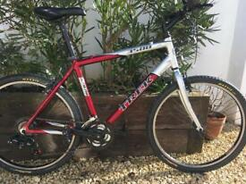 Trek hybrid 3500 mans 20 inch frame good condition