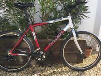 Trek hybrid 3500 mans 20 inch frame good condition