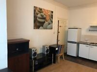 Sower and build in kitchen and lots of space. One minute walking to the station. All Bills included